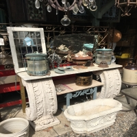 antique-collectible-auction-15069014852.jpg