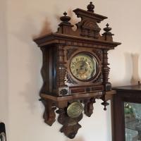 antique-wall-clock-14256559212.jpg