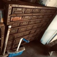 garage-15720905121.jpg