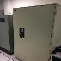 it-office-equipment-15112510213.jpg