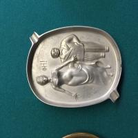 metal-ashtray-collection-3-14262915271.jpg