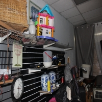 thrift-store-15508726234.jpg