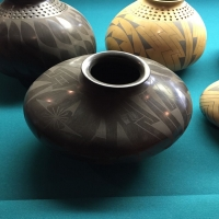 american-indian-primitive-pottery-1425829615.jpg