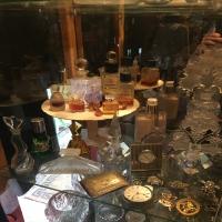 antique-collectible-auction-15068974396.jpg