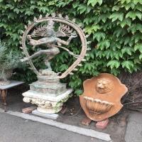 antique-collectible-auction-150691590910.jpg