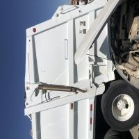 lot-15-1994-trash-truck-162329851310.jpg