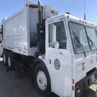 lot-15-1994-trash-truck-16232985134.jpg