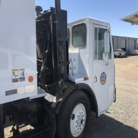 lot-15-1994-trash-truck-16232985137.jpg