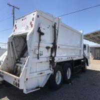 lot-15-1994-trash-truck-16232985138.jpg